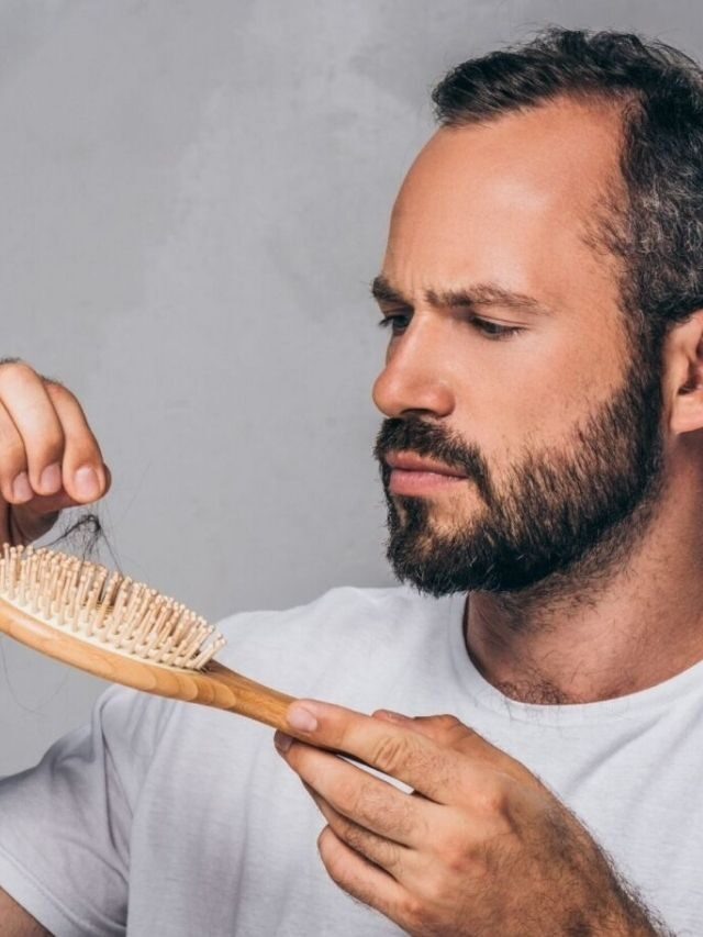 As 4 causas da queda de cabelo