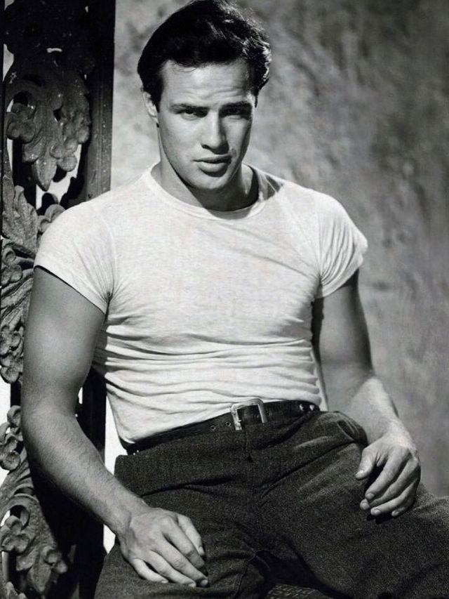 Homem No Espelho - Os 10 físicos mais icônicos de Hollywood - Marlon Brando