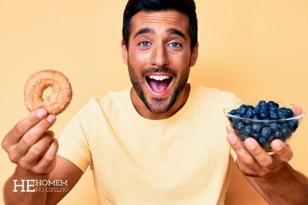 Homem No Espelho - Comer muito doce detona a pele - glicação